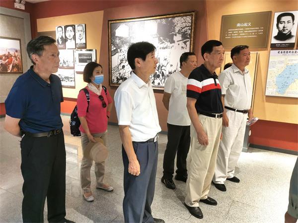 芜湖市新四军历史研究会来我市开展考察交流活动